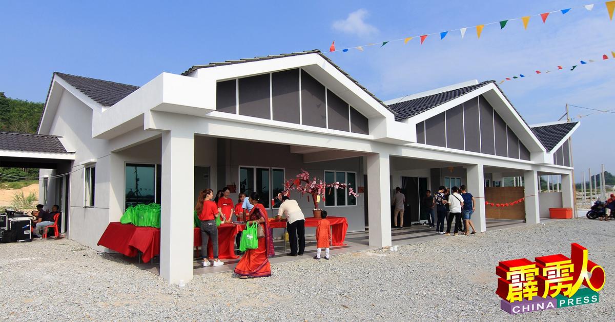 和丰狮子山Tasik Saujana于年初三推出的第二期计划,包括69单位单层排屋,售价从22万8800令吉起