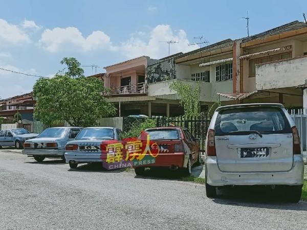 据瞭解,醉汉是经营二手车买卖,会佔用住家附近的地空地停放二手车,曾因此与其他邻居发生冲突。
