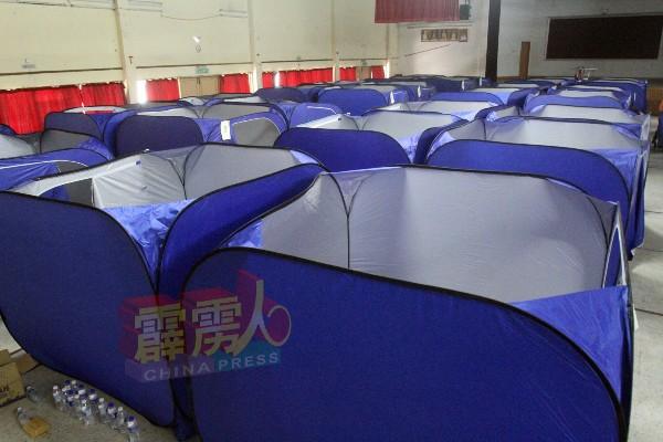 街友们在收容中心时,拥有独立的临时帐篷。