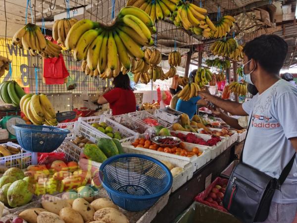 香蕉是印裔友族喜爱水果之一,当中也有一些市民购作供奉神明。