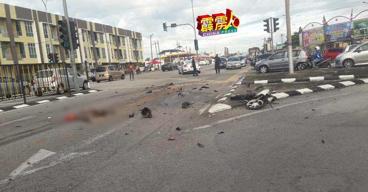 和丰新路口週二(21日)早上8时发生恐怖车祸,摩哆疑闯红灯撞罗厘,导致骑士身断两截惨死。